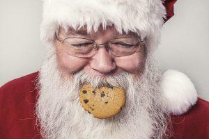 kerstman met koekje